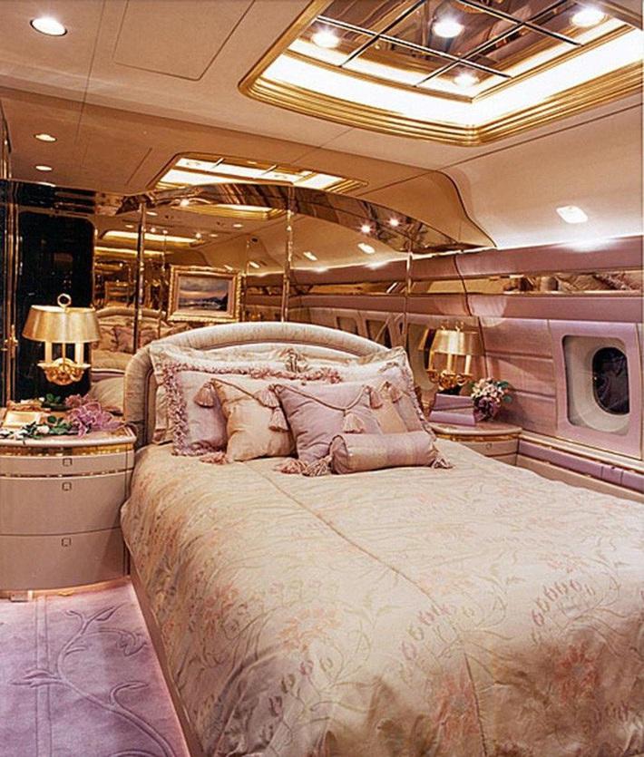 Ngắm cung điện bay 80 triệu USD của tỉ phú Abramovich - Ảnh 4.
