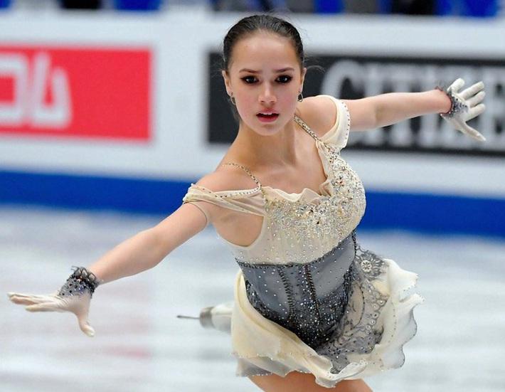 Thiên thần trượt băng được ông Putin chúc mừng sinh nhật - Ảnh 8.