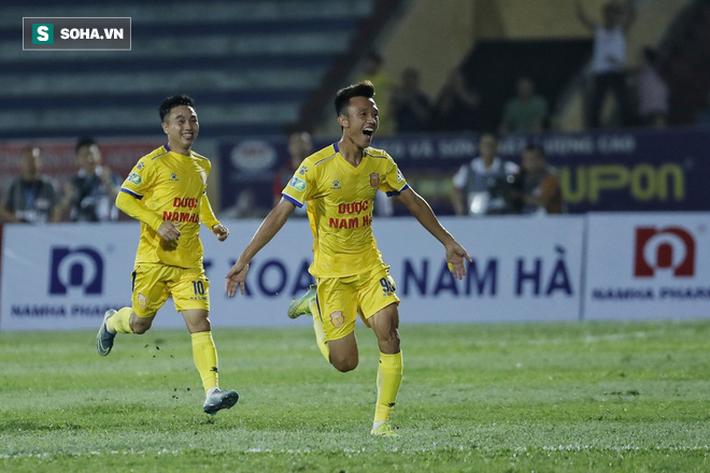 HLV Lê Thụy Hải: Ông Park khó hài lòng; Tuấn Anh không mang bóng dáng đội trưởng - Ảnh 2.