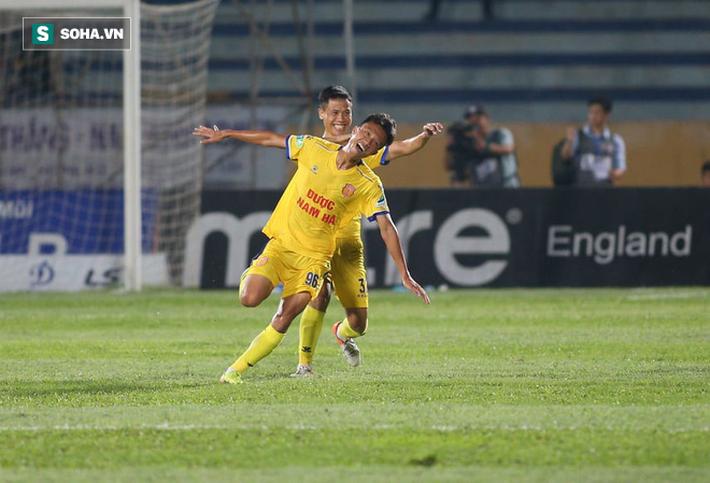 Tuyển thủ U23 Việt Nam tiết lộ bí mật về bàn thắng hạ gục HAGL, gửi lời riêng tới thầy Park - Ảnh 1.