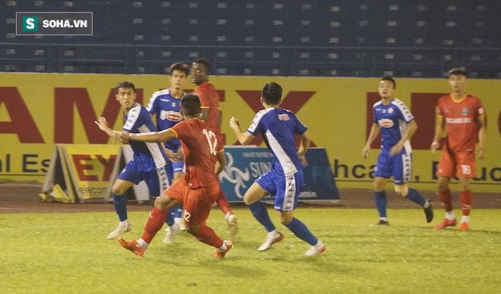 Vào sân hiệp 2, Công Phượng toả sáng trong trận thắng của TP.HCM trước Bình Dương - Ảnh 1.