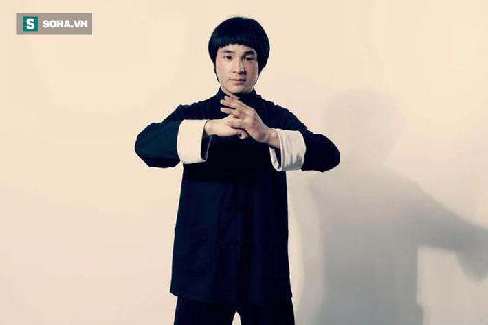 Thách đấu Chân Tử Đan bất thành, võ sư Triệt Quyền Đạo quay sang tuyên chiến Yi Long - Ảnh 1.