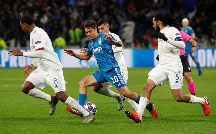 Ligue 1 căng thẳng, Lyon đâm đơn kiện có giá 900 triệu euro  - Ảnh 1.