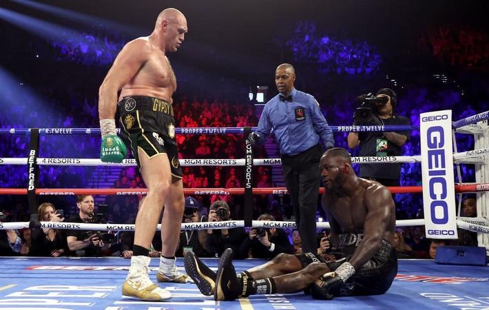 Lộ diện võ sĩ thứ 3 nhận lời đấu Mike Tyson; võ sĩ thép đã trở lại với màn loạn đả ở AEW - Ảnh 2.