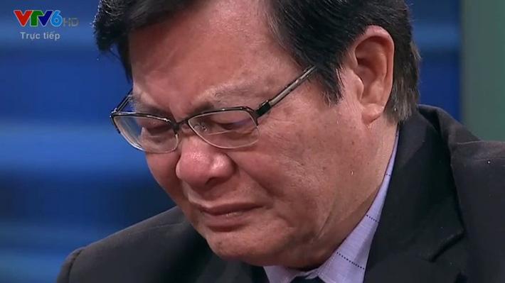 Ồn ào gây tranh cãi về HLV Calisto và nỗi lòng quan chức VFF bật khóc trên TV vì thầy Park - Ảnh 2.