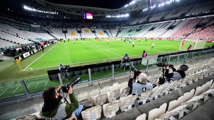 Serie A chờ hoãn lần 2, Ronaldo sắp lỡ ngôi vô địch với Juventus  - Ảnh 1.