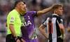 Góp công cứu sống CĐV, sao Tottenham được tôn vinh