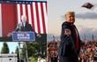 Hai ông Trump - Biden và cách vận động cử tri trái ngược giữa mùa dịch