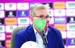 HLV tuyển Oman 'thề' từ chức nếu không thắng được tuyển Trung Quốc
