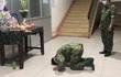 Mẹ mất không thể về chịu tang: Nhói lòng nơi tuyến đầu chống dịch