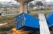 Vụ cầu bộ hành bị xe container kéo sập, tính hạ nền đường cho đủ chiều cao