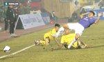"""Hà Nội FC tố chủ nhà dùng """"mưu mẹo"""" cũ để làm xấu mặt sân, Nam Định """"phản pháo"""" cực gắt"""