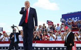 Trump đi vận động bầu cử ở ổ dịch Covid-19 nghiêm trọng bậc nhất nước Mỹ