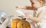 Bỏ 21 triệu đồng mua 1 Bitcoin tặng con gái mới sinh, sau 4 năm 'lãi' gấp 65 lần khi con đến tuổi học mẫu giáo