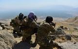 """Phe nổi dậy áp sát căn cứ chiến lược ở miền bắc Afghanistan, Taliban vào """"thế lưỡng nan""""?"""