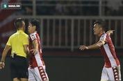 """Những màn """"bật"""" trọng tài xấu xí của bóng đá Việt Nam"""