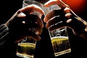 Hiểm họa ngộ độc rượu và giải pháp phòng tránh ngộ độc rượu dịp Tết