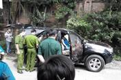 Đôi nam nữ chết gục trong ô tô