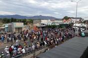 Đám đông gây rối ở Bình Thuận