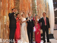 """Hậu đám cưới 3 tỷ, bố chồng siêu mẫu Ngọc Thạch """"tiền đầy túi"""""""