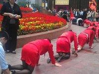 Công ty Hàn Quốc: Bắt công nhân mặc tã lót để tăng năng suất lao động