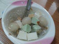 Lời thị phi về gelatin trong chè khúc bạch