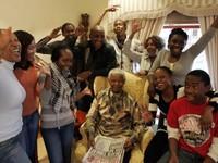 """Nelson Mandela và những lần trở về từ """"cõi chết"""""""