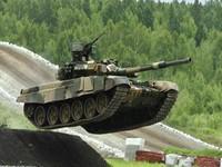 Cận cảnh siêu tăng Ba Lan thách thức Amatar của Nga