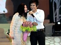 Những bức ảnh đập tan hình ảnh 'Bà mẹ nhí' của Angela Phương Trinh