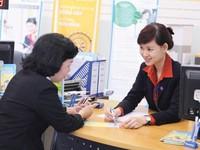 Hàng loạt ngân hàng âm thầm cắt lương, giảm nhân sự