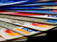 """Ngân hàng cho vay lãi """"cắt cổ"""" qua thẻ tín dụng"""