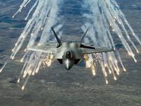 """Mỹ điều 6 """"chim ăn thịt"""" F-22 từ Alaska tới Trung Đông"""