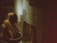 Andrea và Yanbi hôn nhau rất 'ngọt' trong MV mới
