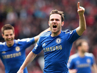 David Luiz ăn vạ nằm cười, Rafael lĩnh thẻ đỏ rời sân