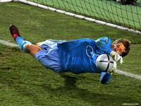 """UEFA """"bất lực"""" trước màn tẩy thẻ của Real Madrid"""