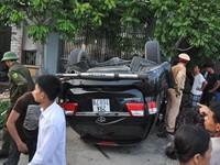 Truy tìm người thứ 3 vụ xe 'điên' tông chết 3 người