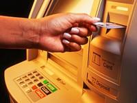 'Ma trận' về phí khi dùng thẻ tín dụng