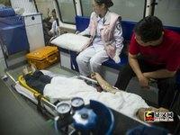 """Trung Quốc: """"Độc chiêu"""" bịt miệng dân bằng """"Tiền cứu trợ nhân đạo"""""""