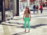 Thảo Trang mặc &quote;mát mẻ' trên phố