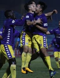 KẾT THÚC Quảng Ninh 2-1 TP.HCM; Hà Nội 2-1 Bình Dương: Hà Nội lên đầu BXH V.League