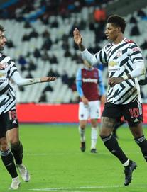 """Như một trò đùa: Man United lại ngược dòng, vọt vào top 4 bằng """"hơi thở"""" Bruno Fernandes"""