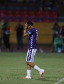 [TRỰC TIẾP] Hà Nội FC 0-1 Sài Gòn FC: Văn Quyết bỏ lỡ cơ hội trên chấm phạt đền