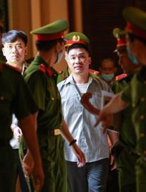 Nóng phiên xử: Nhân vật bí ẩn cùng Văn Kính Dương gây dựng đường dây sản xuất ma túy lớn nhất nước xuất hiện