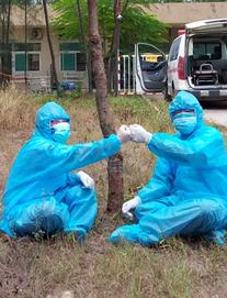 Buổi sáng đầu tiên trong hơn 2 tuần qua, Việt Nam không có ca mắc mới COVID-19; Quảng Trị chuyển bệnh nhân có bệnh nền nặng vào Huế điều trị