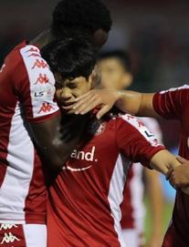 TRỰC TIẾP TP.HCM 5-1 Nam Định: Vào thay Công Phượng, tân binh của chủ nhà ghi bàn thắng tuyệt đẹp