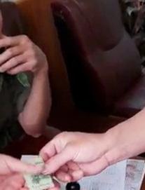 Vụ thu 100.000 đồng làm căn cước gắn chip ở Hải Phòng: Tạm đình chỉ 2 công an viên