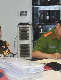 Vợ diễn viên Kinh Quốc từng tố bị vợ nguyên Giám đốc Sở Nội vụ lừa 50 tỉ đồng