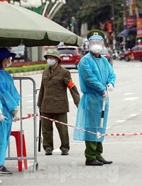 Hà Nội phát hiện thêm một bác sĩ ở Bệnh viện Phổi Trung ương dương tính SARS-CoV-2, trú tại quận Hoàng Mai