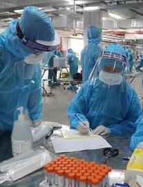 Bác sĩ Trương Hữu Khanh: Ổ dịch mới có thể xuất hiện, 'chặn đầu virus' là cách đánh thắng SARS-COV-2
