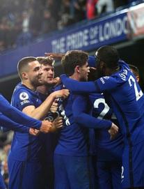 Cuộc đua top 4 Premier League có bước ngoặt lớn; Cavani lập siêu phẩm cho ngày đặc biệt của Man United